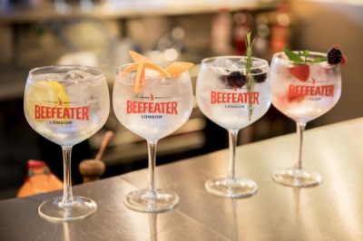 EVERYNIGHT IMAGES - NICK ANDREWS: BEEFEATER