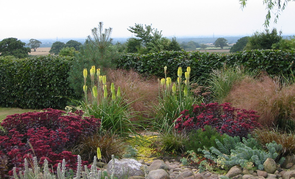 plants by design - Projects cover gardens and landscapes large and small, new and existing. All are developed uniquely in response to client needs giving initial impact and lasting quality. You can see the range of our work by clicking the links above.