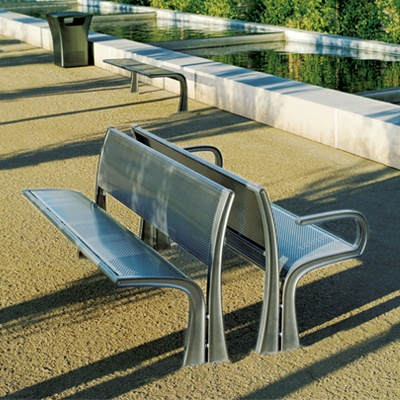 arh creative - Stay Bench Client: Landscape Forms via Frog DesignPhoto: Courtesy of Landscape Forms