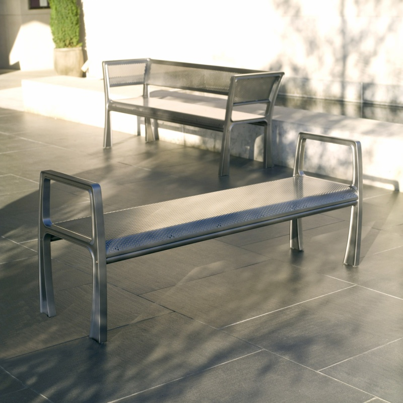 arh creative - Sit Bench Client: Landscape Forms via Frog DesignPhoto: Courtesy of Landscape Forms