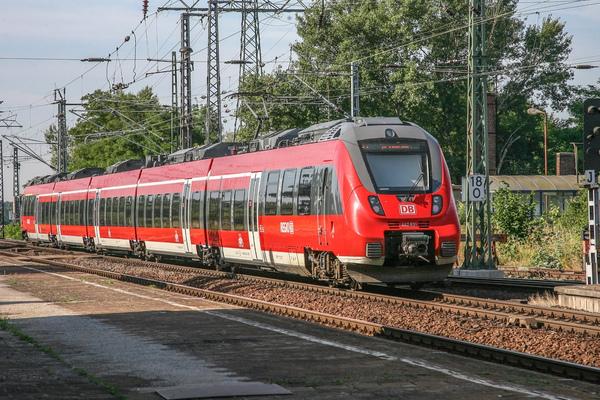 Kai Michael Neuhold - Fotojournalist - Talent 2 der Baureihe 442 von DB Regio