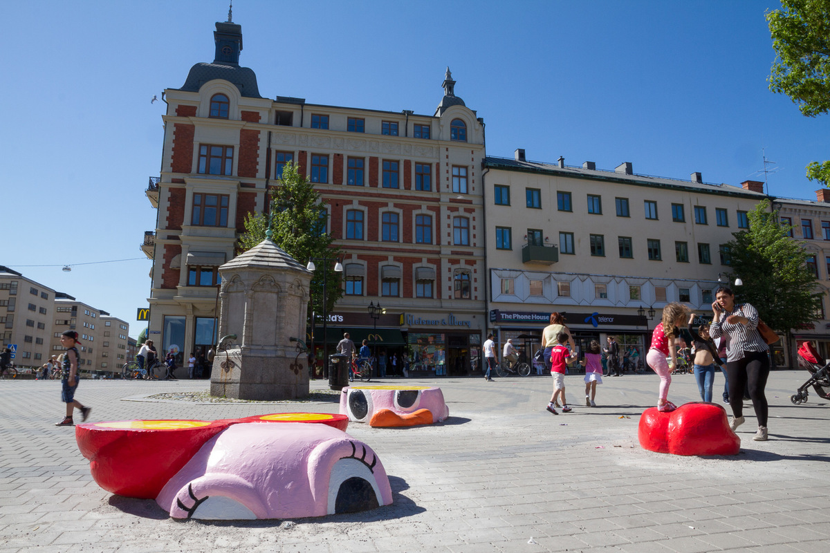 www.lenaflodman.com - OpenART Örebro 14.6-6.9 2015. Participates with Sliced Duck/Skivad Anka, fiberglass Photo: Susanne Flink