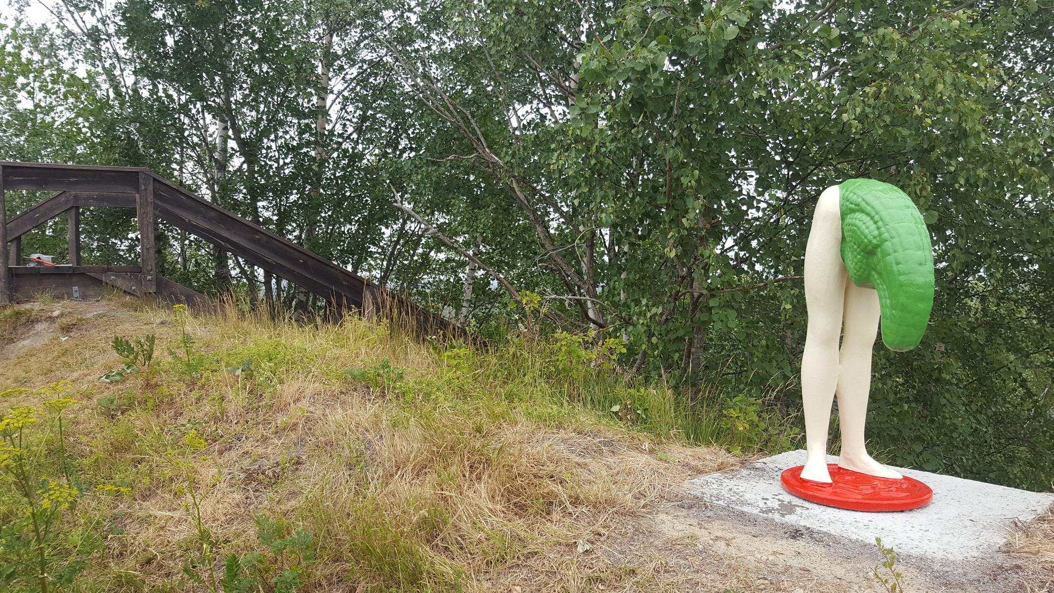 www.lenaflodman.com - Mr Majestät, painted aluminum 2018. Permanently placed at Konst på Hög, Kumla.