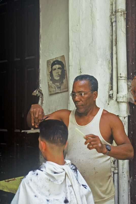 linda cartridge photographer and artist - Cuba, barbershop