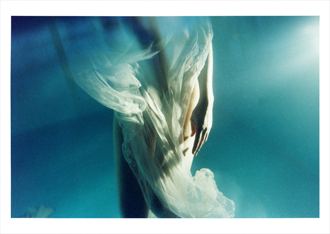 linda cartridge photographer and artist - Floating Venus III Limited editions of 12 in 140x100cm