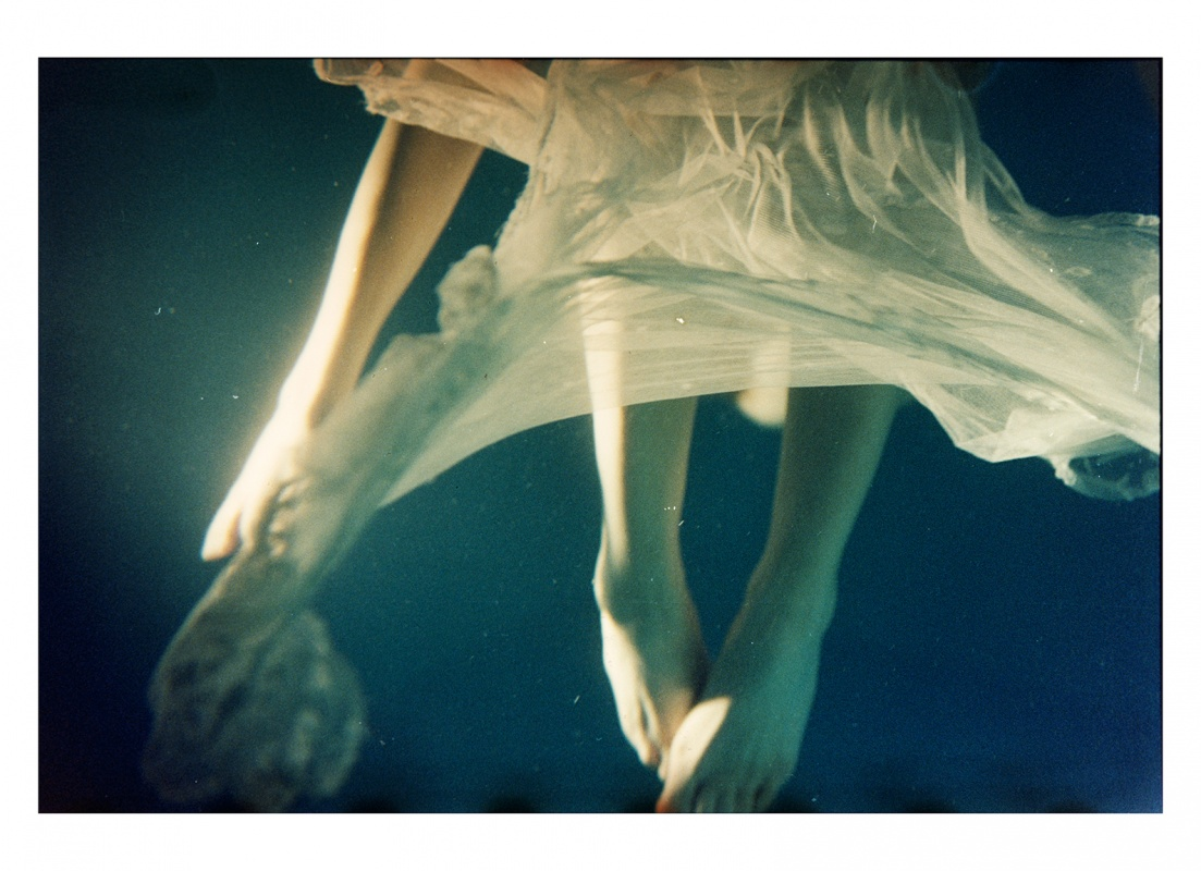 linda cartridge photographer - Floating Venus IV Limited editions of 12 in 140x100cm