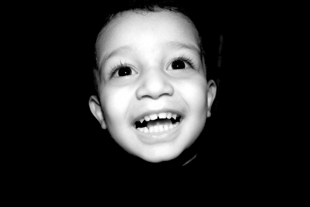 Tariq AlHadad - Kids laughter of cameras blinking flash, Baghdad, IRAQ