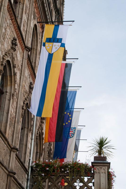 Philipp Valenta - Flagge am Rathaus der Stadt Weimar, 2012