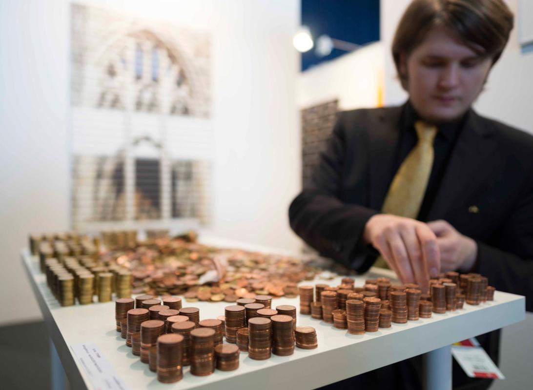 Philipp Valenta - Dokumentation Art Karlsruhe 2013 (Foto Bernd Strube)