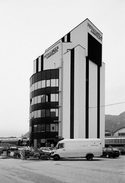 Pallaoro Balzan e Associati - Edificio direzionale Società Petrolvilla, Trento