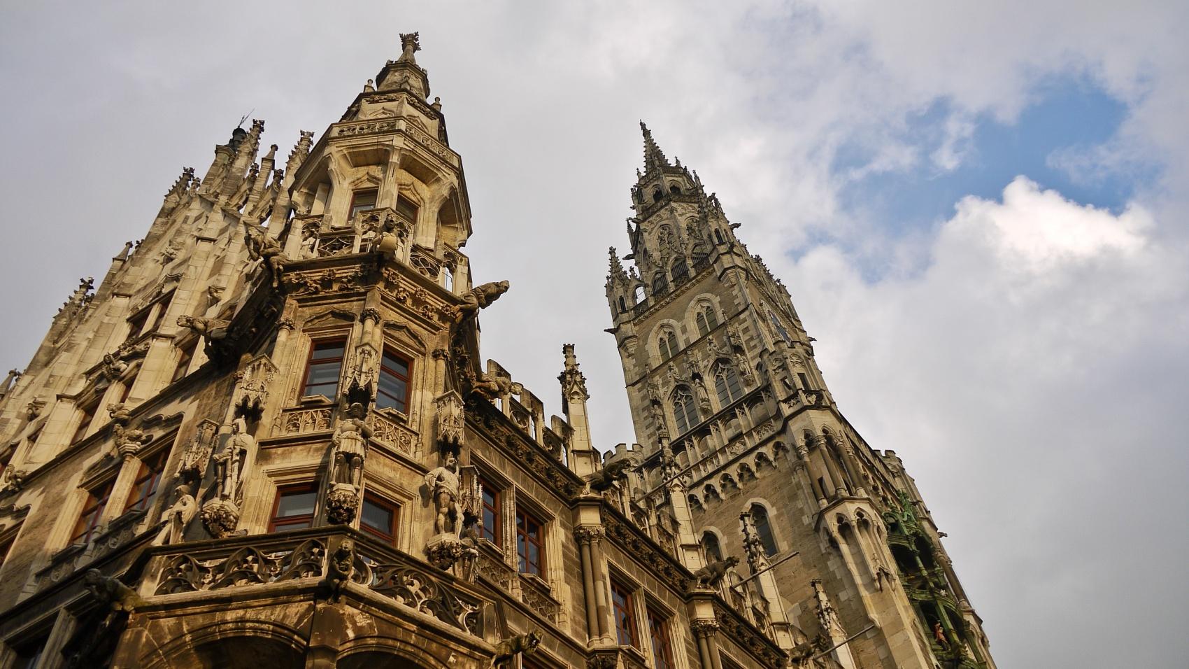 Caught In Time - Munich