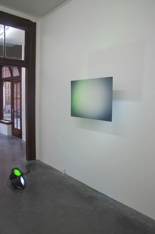 Karolien Chromiak - Magenta overtone, 2016 (installation view @ Tique | artspace)