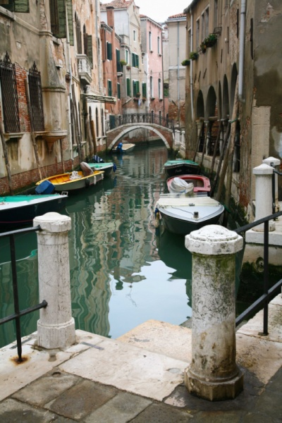 dylancheasleyphotography - Typical Venician Canal