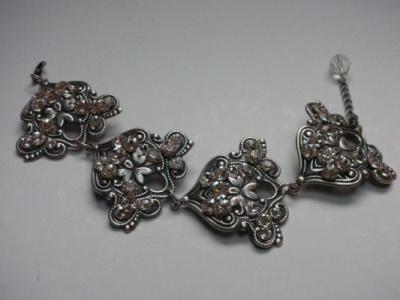 Curvaceous Design Portfolio - Curvaceous Design Majella bracelet.