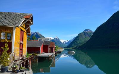 EPIC FJORDS - Fjærland and the Fjærlandsfjord
