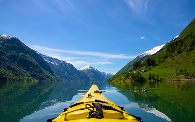 EPIC FJORDS - Kayaking on the Fjærlandsfjord
