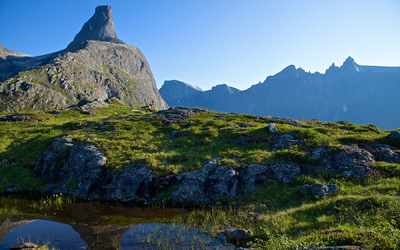 EPIC FJORDS - Romsdalshorn and Trollveggen