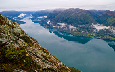 EPIC FJORDS - The Lustrafjord seen from Molden