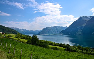 EPIC FJORDS - View from Klungnes towards the Romsdalsfjord