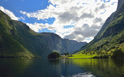 EPIC FJORDS - The UNESCO-protected Nærøyfjord