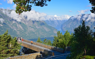 EPIC FJORDS - The Stegastein Lookout