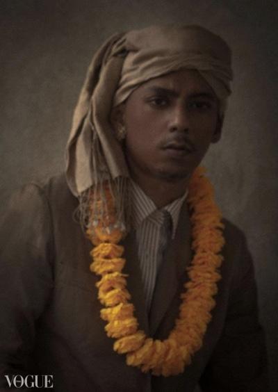 Dilokrit Barose Photos - Mandalay Chic- Wheres My Driver???.