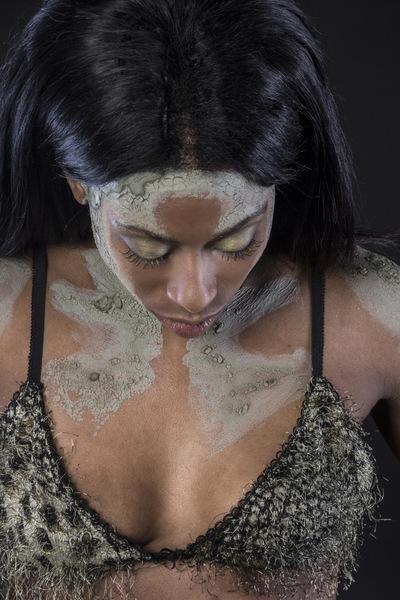 Tais Carballés - Beauty with moss/ Belleza con musgo