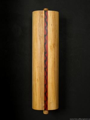 AL - Nyckelskåp i al med infälld epoxy. Längd 36 cm bredd 9 cm Pris 950 kr