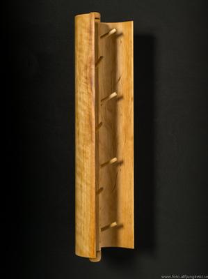 AL - Nyckelskåp i al med infälld epoxy. Längd 36 cm bredd 9 cm Pris 1200 kr