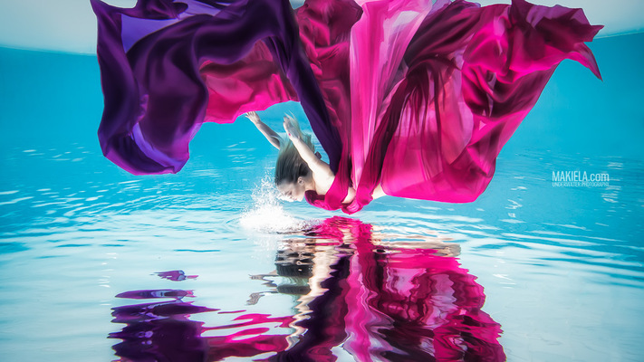 Dubai Photographer underwater, fashion, commercial, corporate, wedding - Underwater shoot for designer model Kinga Klepacka