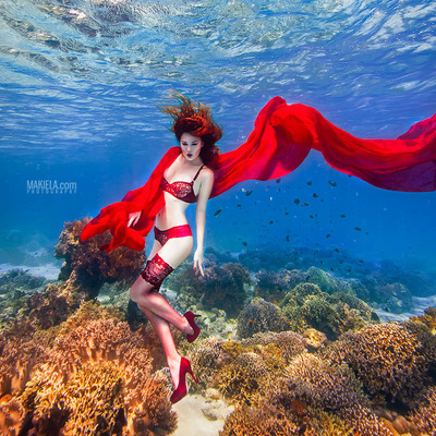 Dubai Photographer underwater, fashion, commercial, corporate, wedding - Axami Advertising Campaign model Krysia Ksiezyk