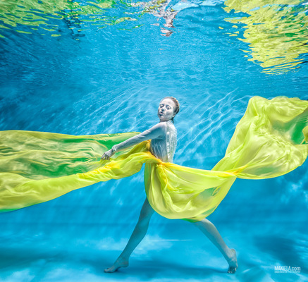 Dubai Photographer underwater, fashion, commercial, corporate, wedding - Underwater shoot for Fashion One TV model Sara Maria Grzelka