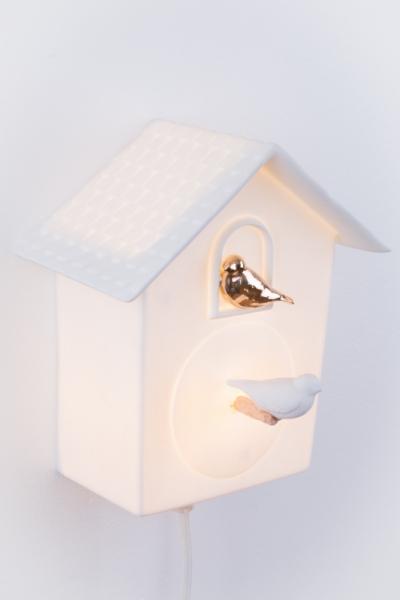 LAtelier du Blanc - Porcelaine de Limoges - Fantaisie et délicatesse - Cabane à oiseau lumineuse - petit modèle