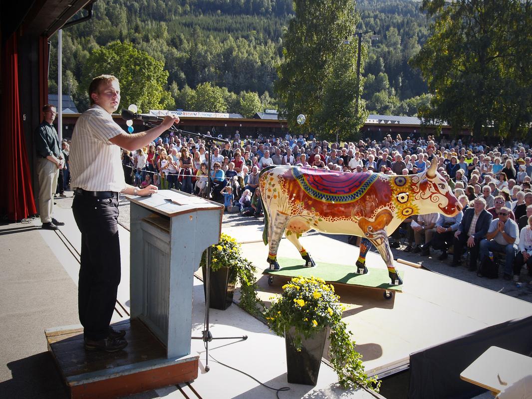 Firingan Kalligrafi - Cow Parade Telemark 3