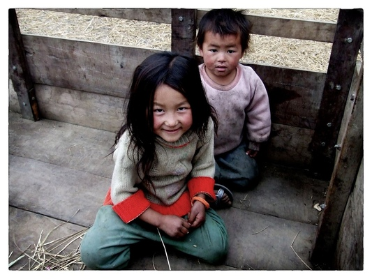 Andrew Bannerman-Bayles - Hmong Hilltribe children Laos