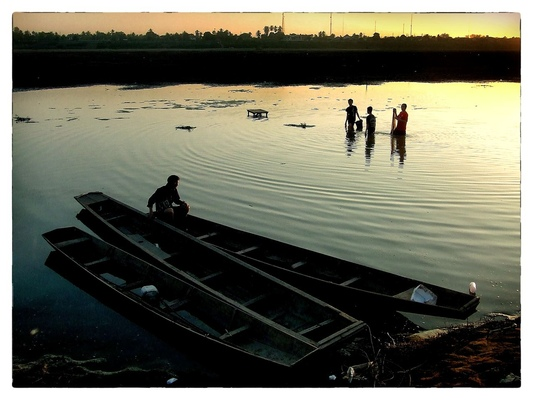 Andrew Bannerman-Bayles - Mekong fishermen Vientiane, Laos