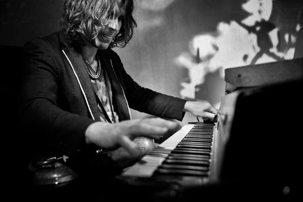 Özgür Ülker Photography - İlhan Erşahin / Nublu Jazz Fest Nublu Club İstanbul