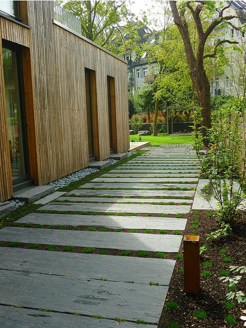 Jörg Kaspari - Landschaftsarchitekt - Gartenweg aus Schieferbrettern