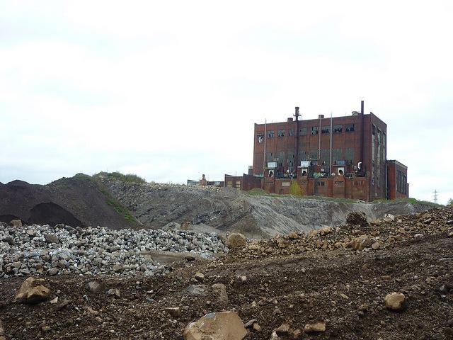 Jörg Kaspari - Landschaftsarchitekt - Über hundert Jahre Tagebau und Stahlindustrie verwandelten den Ort in eine Abraumhalde der Industriegeschichte