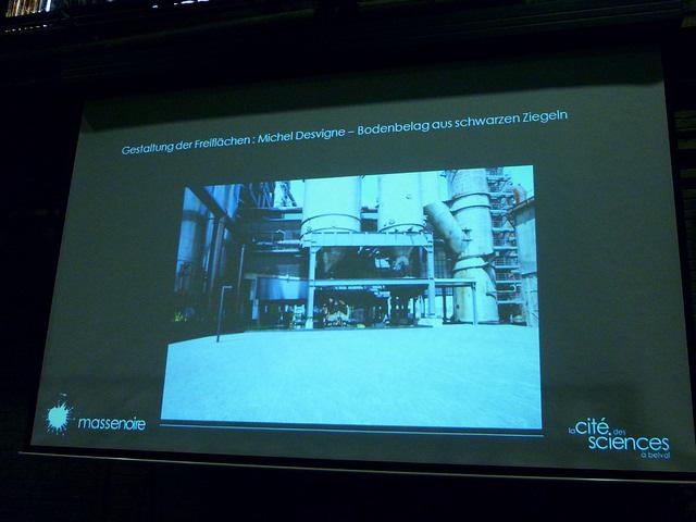 Jörg Kaspari - Landschaftsarchitekt - Das Freiraumkonzept für die Hochofenterrasse stammt vom Landschaftsarchitekten Michel Desvigne (FR). Das Konzept sieht vor die dezentralen Universitätsgebäude mit einem Bodenbelag aus ...