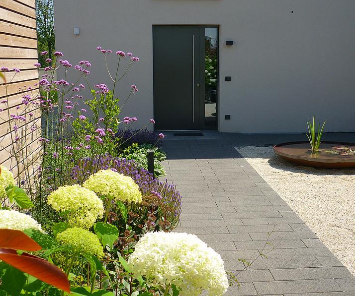 Jörg Kaspari - Landschaftsarchitekt - Blüten-Passage zum Eingang