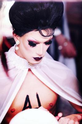 Lyne Looze ♡ Photographer - CABARET MADEMOISELLE / Grand Opening 07/10/17 (Backstage) ◊ 2017 ◊ Kimi Amen
