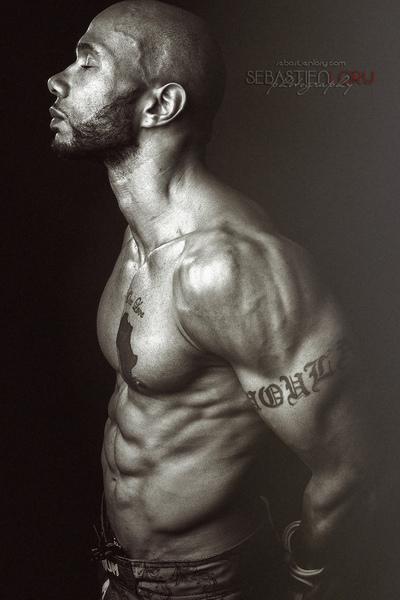 Sebastien Lory - Photographe Retoucheur |  Paris  |   Portrait   |    Mode   |    Noir et blanc