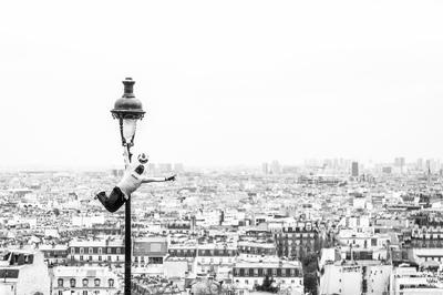 Paris football skills street entertainer
