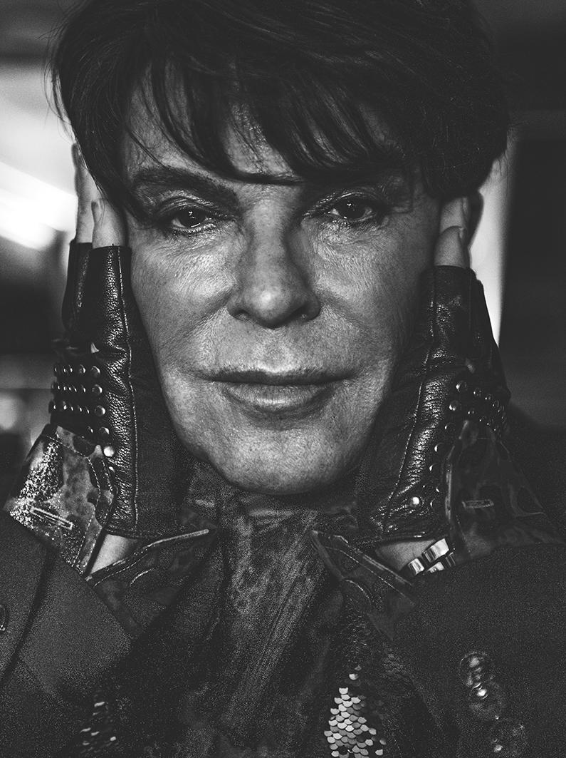 Stina Svanberg - Porträttserie ROGER MORGAN