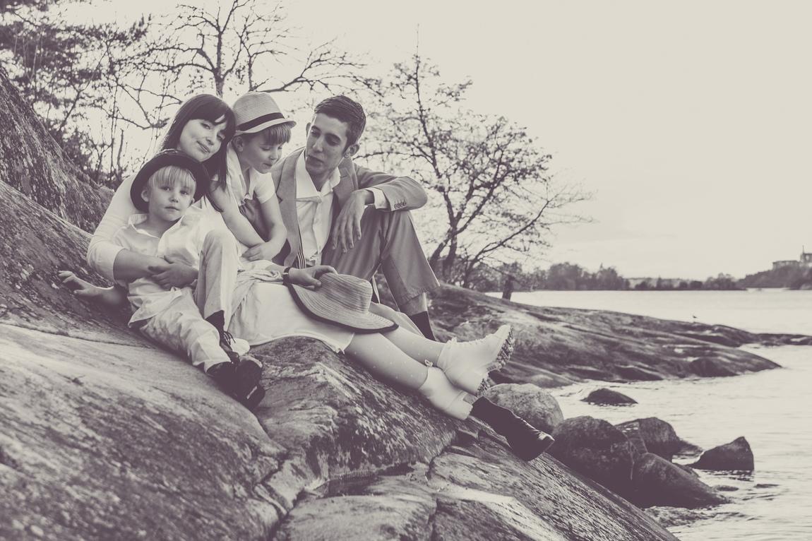 Helena Berzelius - Vintage Family Photoshoot