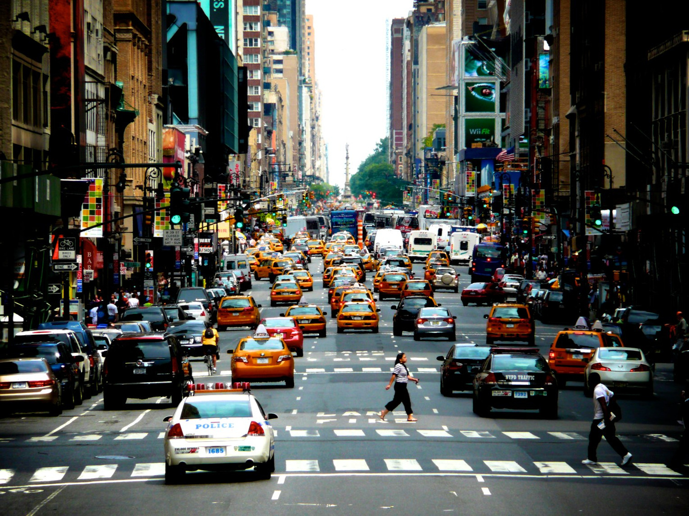 Yotvat Kariti - On the streets of New York